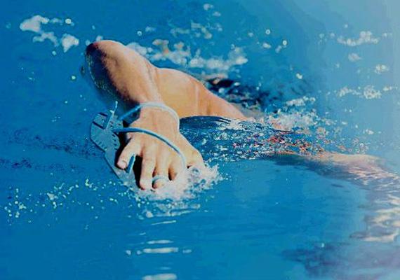 A importância do pulbóia na natação